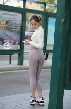 Girls In Leggings, Tight Leggings, Leggings Are Not Pants, Kids Outfits Girls, Girl Outfits, Sexy Asian Girls, Hot Girls, Yoga Pants Outfit, Girls Are Awesome