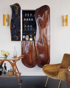 We already showed you some cool home bar designs but in comparison with those we're going to show today they were quite simple. Here are home bar designs Mini Bars, Small Bars For Home, Mid Century Bar Stools, Home Interior, Interior Design, Design Interiors, Stylish Interior, Wall Mounted Bar, Home Bar Designs