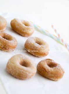 Donas de canela y azúcar granulada - vainillayazafran