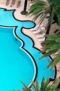 Art deco pools totally have my heart. The Raleigh Hotel (Miami Beach, Florida) - Jetsetter