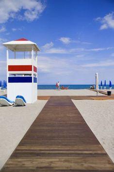 Cerdeña, una isla de cuento.La playa del Poetto (poeta), de siete kilómetros de longitud, en Cagliari, capital de Cerdeña