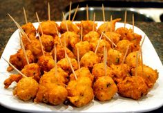 """""""Accras"""", in the Caribbean islands and more precisely in Martinique, are fritters. This finger food is easy to make and wonderful as an aperitif! Make some for your next party or picnic! Saltfish Fritters, Cod Cakes, Caribbean Recipes, Caribbean Food, Cod Fish, Seafood Appetizers, Jamaican Recipes, Stuffed Hot Peppers, International Recipes"""