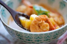 Thai Shrimp & Pineapple Curry - shrimp & pineapple are the best combos for this amazing and super delish curry. Takes 15 minutes to make