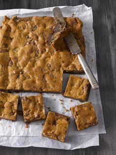Kun kaksi ihanaa herkkua, brownien ja cookien yhdistää, niin lopputuloksena syntyy täydellinen leivonnainen: brookie.