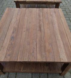 Een zware Salontafel rustiek 90cm met onderplank. Het rustieke, grove teakhout geeft deze tafel een warme, landelijke uitstraling.
