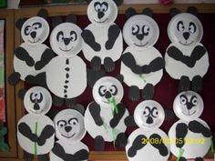 Panda craft idea for kids Panda Bear Crafts, Panda Craft, Free Preschool, Preschool Crafts, Preschool Teachers, Kindergarten, Paper Plate Art, Paper Plates, New Year's Crafts
