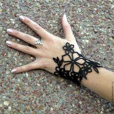 """Leather bracelet / Браслеты ручной работы. Ярмарка Мастеров - ручная работа. Купить Кожаный браслет """"цветы"""". Handmade. Черный, браслет из кожи"""