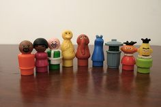 Sesame Street Little People - I had ALL of these guys at one time many years ago. I still have my Sesame Street Club House! Now to find a pic of Fisher Price Toys, Vintage Fisher Price, Tennessee Williams, Childhood Toys, My Childhood Memories, Sweet Memories, Retro Toys, Vintage Toys, Electronic Toys