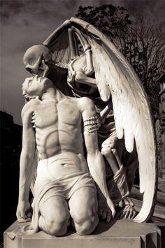 Kiss of Death. Poble Nou Cemetery, Barcelona