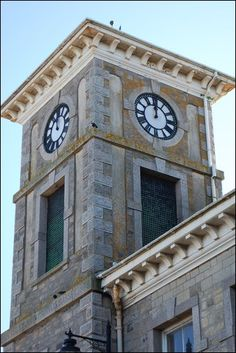 The clock on Camborne's Bassett Building stopped for three weeks.  If a public clock doesn't work, the owners are asked to put the hands to midday until it is repaired.