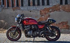 The Inazuma in red | Inazuma café racer