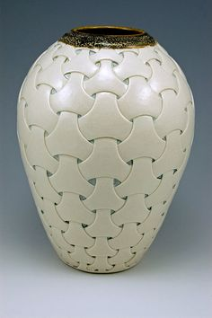 van der Ven Studios Shoji pattern vase #2 - reminds me of the Zentangle pattern Y-ful Power