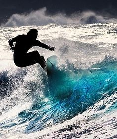 Barbados Surfing conditions are ideal for any level of surfer. Barbados is almost guaranteed to have surf somewhere on any given day of the year. Big Waves, Ocean Waves, Beach Waves, Color Splash, Arte Yin Yang, Sup Yoga, California Surf, Wave Art, Kayak