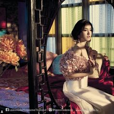 Gorgeous actress Khun Poyd Treechada beautiful in PATINYA latest Privé SS15 collection, Boromia Top and Petunia Skirt. Magnificent shot from the best selling Lemonade Magazine. Thank you so much! @patinyabkk @guitarpatinya @poydtreechada @lemonademag #patinya #patinyabkk #fashion #dress #thaidesigners #flouishinginthesky