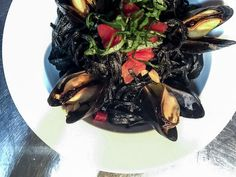 Pasta with Mussels in Tomato, White Wine and Garlic - A Drunken Duck Squid Ink Pasta, Garlic Pasta, Mussels, White Wine, Food Photography, Cabbage, Recipies, Cooking Recipes, Meals
