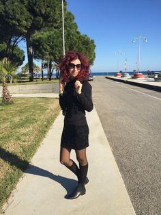 Swooshing like a pro on a warm, sunny day in my new socks by Calzedonia (thanks Santa!). Boots: Zara Capelli al vento e calze, nuove, di Calzedonia (grazie, Babbo Natale!). Stivaletti: …