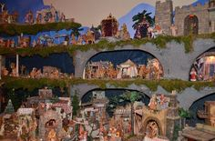 Fontanini Collector Display. The next nativity set I'm going to start collecting! Love the whole town!