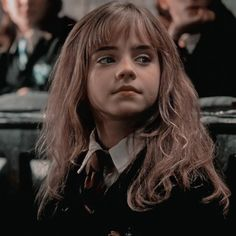 Harry Potter Funny Pictures, Harry Potter Images, Harry Potter Fan Art, Harry Potter Characters, Mundo Harry Potter, Harry Potter Hermione, Ron Weasley, Emma Watson, Boy Gif
