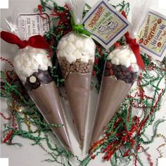 Hot Cocoa Cones - For Two! Easy pour 2 bags of hot cocoa mix in and add chocolate chips and marshmallows. Noel Christmas, Christmas Goodies, Diy Christmas Gifts, Christmas Treats, Christmas Sweet Cones, Handmade Christmas, Homemade Gifts, Diy Gifts, Homemade Food
