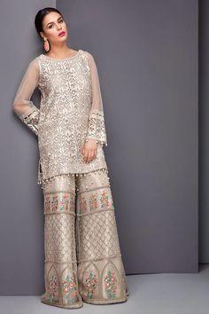 Pakistani Wedding Outfits, Pakistani Dresses, Indian Dresses, Indian Outfits, Lovely Dresses, Stylish Dresses, Casual Dresses, Fashion Dresses, Shadi Dresses