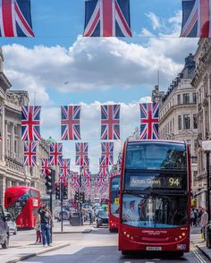 Oxford Circus LondonA city decorated especially in a patriotic theme is one of the most beautiful sights for me #ic_thecity#bestukpics #canonuk #ok_europe #super_europe #topeuropephoto #ig_europe #ig_europa #igs_europe #total_city #worldplaces #world_city #loves__europe #loves_bestpic #wu_europe #europe_greatshots #in_europe #loves_united_europe #euro_shot #europe_vacations#timeoutlondon #loves_united_england #loves_united_kingdom #photos_of_england #lovegreatbritain #photos_of_britain…