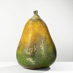 Hans Hedberg, skulptur.Biot, i form av päron