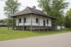 World Architecture Images- American colonial architecture. Bequette-Ribault House in Ste. Genvieve, Missouri built in 1778.
