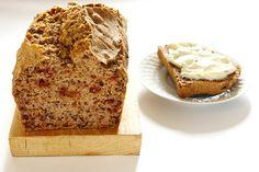 pane di grano saraceno con noci, semi di lino e melograno