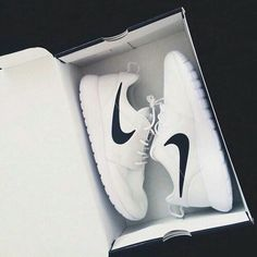 ~Nike Rushe Run I found my favorite color white, black♡♡♡~