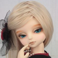 Look at that wig! What a cute little hairstyle! Emma|DOLKSTATION - Ball Jointed Dolls Shop - Shop of BJD Dolls