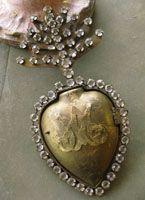 Jeweled Sacred Heart Cachette Milagro