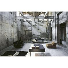 PRIVATE HOUSE - D E C O T I I S M O O D  #vincenzodecotiis #progettodomestico#decotiis #galleriadecotiis #milano #madeinitaly #milandesign #architecture #madeinitaly #mdw #art #design #artdesign #architecture #industrial #concrete #architecture #leather #industrialmood #studiodecotiis