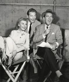 "If I could marry Bing Crosby. Vera-Ellen, Danny Kaye, and Bing Crosby on the set of ""White Christmas"" Hooray For Hollywood, Golden Age Of Hollywood, Vintage Hollywood, Hollywood Stars, Classic Hollywood, Vera Ellen, White Christmas Movie, Christmas Movies, Christmas Star"