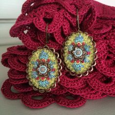 Oval #earrings #embroidery #textilejewelry #flower #bordado #broderie #jewelry #boho #bohemian #turquoise #beyondthebasic #stitched #stickerei #schmuck #ohrringe