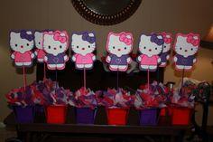 hello kitty birthday party ideas   Hello Kitty Centerpiece