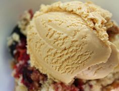 Burnt+Sugar+Ice+Cream Plum Crumble with Burnt Sugar Ice Cream Easy Ice Cream Recipe, Homemade Ice Cream, Ice Cream Recipes, Ice Cream Desserts, Frozen Desserts, Frozen Treats, Sorbet, Smoothie, Plum Crumble