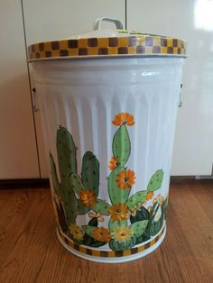20 Gallon Hand Painted Galvanized Metal Trash/Garbage/Storage Can w/Side Handles and Tight Fit Lid by krystasinthepointe on Etsy Painted Trash Cans, Paint Cans, Painting Galvanized Metal, Outdoor Trash Cans, Garbage Storage, Tin Can Crafts, Art Crafts, Kitchen Trash Cans, Garbage Can