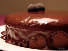 Καπριτσιόζα!!! Σοκολατένιο Κέικ με Αμυγδαλόψυχα και Ρούμι (demideli.com) Greek Desserts, Greek Cooking, Sweet Life, Cake Cookies, Deserts, Pudding, Keto, Sweets, Baking