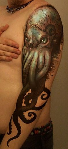 Super realistic octopus tattoo on full arm                                                                                                                                                                                 Más