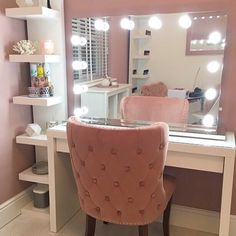 New Ideas For Makeup Vanity Desk Diy Beauty Room Make Up Desk Vanity, Vanity Room, Vanity Mirrors, Make Up Mirror, Ikea Vanity Table, Full Mirror, Mirror Set, Lights Around Mirror, Makeup Mirror With Lights