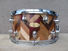 hand made custom snare drums and drum kits.