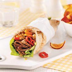 Wraps au boeuf Panini Sandwiches, Wrap Sandwiches, Sandwich Recipes, New Zealand Food, Tortilla Wraps, Cooking Recipes, Healthy Recipes, No Sugar Foods, Fajitas