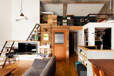 リビングにすんなり馴染む洗面台。扉の奥は寝室。  #洗面 #リビング  #インテリア #EcoDeco #エコデコ #リノベーション #renovation #東京 #福岡 #福岡リノベーション #福岡設計事務所 Tool Box, Interior And Exterior, Loft, Architecture, Furniture, Home Decor, Interiors, Home, Arquitetura