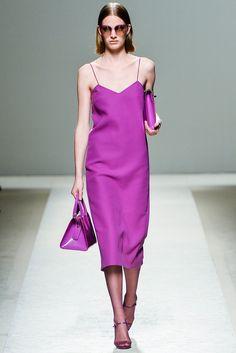 Max Mara Milano - Spring Summer 2014 Ready-To-Wear - Shows - Vogue. Max Mara, Vogue, Runway Fashion, Fashion Show, Fashion Design, Milan Fashion, Mode Purple, 2014 Fashion Trends, High Fashion Dresses
