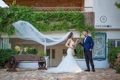 DreamON koleksiyonu gelinlik modellerinden Santorini'yi çok güzel taşıyan Gaziantep DreamON Gelini Elif Hanım ve Eşi Emrah Oğuz Beye mutluluklar dileriz. www.dreamon.com.tr #dreamon #dreamoncouture #abiye #santorini #gown #dreamonplaza #nişanlık #wedding #gelinlik #gelinlikmodelleri #tarz #tasarım #gaziantep #abiyemodelleri #moda #mutluluk