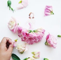 Gorgeous Flower Girls by Lim Zhi Wei / Love Limzy or when watercolor meets flowers (I) http://www.maxitendance.com/2014/05/love-limzy-lim-zhi-wei-robes-aquarelles-fleurs.html