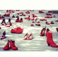 25 Novembre Giornata Mondiale Contro la Violenza sulle DONNE https://www.facebook.com/pages/MIAs/308281259245948