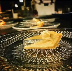 A Chicago chef created clear pumpkin pie an ode to a Thanksgiving favorite for the Alinea restaurant fall tasting menu. Fall Recipes, New Recipes, Holiday Recipes, Amazing Recipes, Chef Simon, Rainbow Food, Molecular Gastronomy, Cooking, Food News