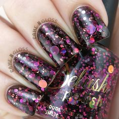 A captivating black jelly with flashes of bewitching pink glitters, accented by large holographic dots. This listing is for a full sized bottle. Swatches: Game N Gloss / Claws in Colors / MrsLoch Black Nails With Glitter, Black Coffin Nails, Matte Black Nails, Black Acrylic Nails, Black Nail Art, Silver Nails, Henna Designs, Nail Art Designs, Nail Design