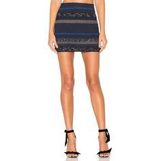 Alice + Olivia Elana Mini Skirt (780 PEN) ❤ liked on Polyvore featuring skirts, mini skirts, short white skirt, fringe skirts, white fringe skirt, short mini skirts and white skirt